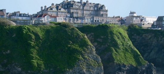 Newquay: Newquay: 1-3 Nights for Two with Breakfast and Leisure Access at Hotel Victoria