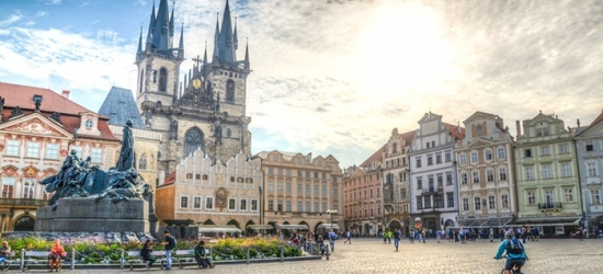 ✈ Prague: 2-4 Nights at Choice of 4* Hotels with Breakfasts and Flights*
