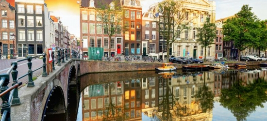 4* Central Amsterdam Mini-Break, Breakfast & Beer & Gin Tasting
