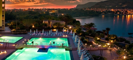 4* Luxury Sicily Beachfront Escape, Breakfast