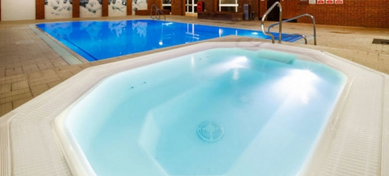 4* Hertfordshire Escape, Dining, Breakfast & Leisure Access for 2