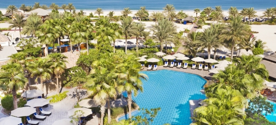 Dubai: luxury Ritz-Carlton escape & meals