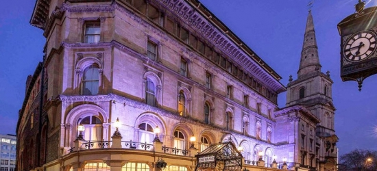 4* Central Bristol Stay & Late Checkout for 2 - With Afternoon Tea or Dining!