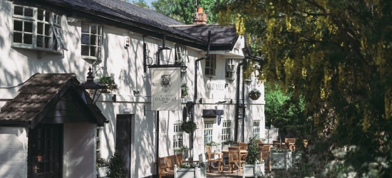 Cheshire Stay & Prosecco for 2 – Dining Option!