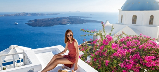 Luxury 4* Santorini Escape, Breakfast  - Beachfront Location!