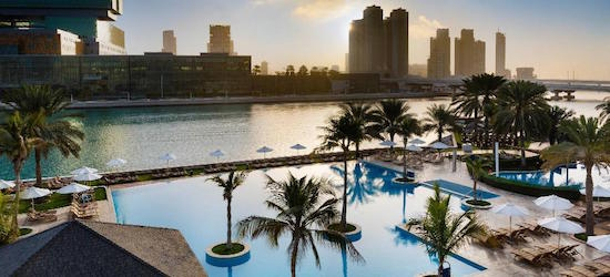 5* Abu Dhabi escape w/breakfast & flights