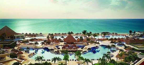 5* luxury all-inclusive Cancun getaway w/flights