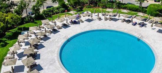 5* all-inclusive Algarve getaway w/flights