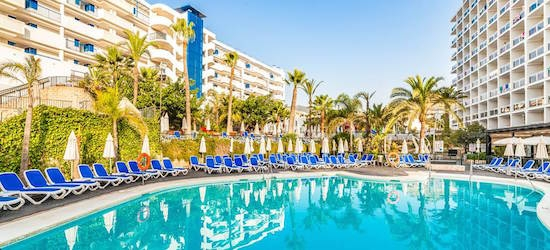 4* Costa del Sol getaway w/breakfast & flights