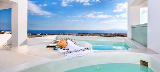 Stunning 5* Santorini escape w/breakfast & flights
