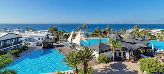 5* luxury Lanzarote escape w/breakfast & flights