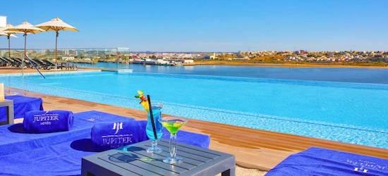 4* Algarve getaway w/breakfast & flights