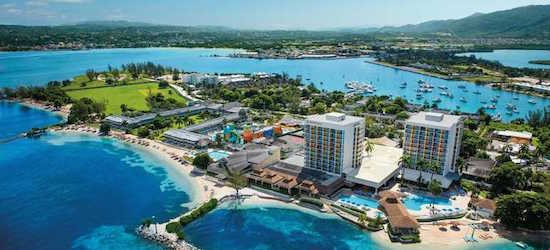 4* all-inclusive Jamaica getaway w/flights