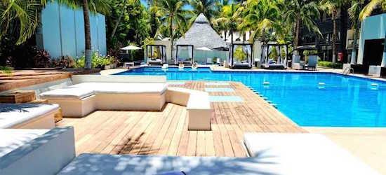 4* Cancun escape w/breakfast & flights