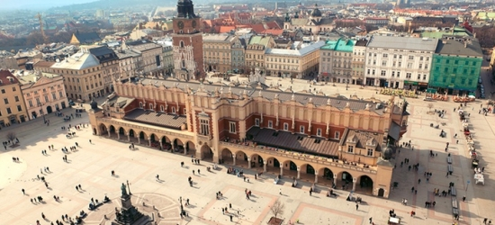 ✈ Krakow: 2-4 Nights at a Choice of Hotels with Auschwitz - Birkenau Memorial Tour and Flights*