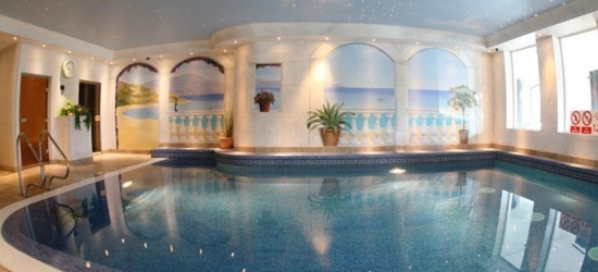South Yorkshire: Double Room for Two with Breakfast and Leisure Access at Carlton Park Hotel