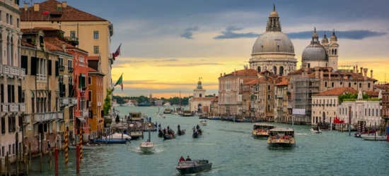 ✈Venice, Florence and Pisa: 6 or 9 Nights at a Choice of Hotels with Transfers and Return Flights*
