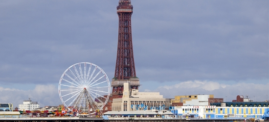 1-2nt Blackpool Stay, Late Check Out - Double or Family Room!