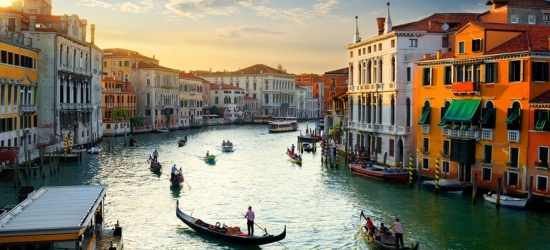 4* Central Venice Stay, Breakfast  - Near Rialto Bridge!
