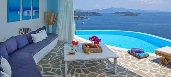 4* deluxe Skiathos holiday w/breakfast & flights