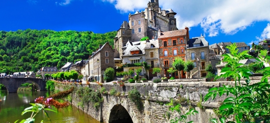Win a 5-night car or motorcycle tour to the Dordogne, France