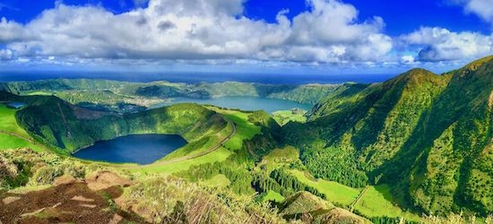 4* Azores escape w/breakfast & flights