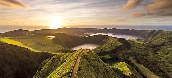 4* Azores escape w/breakfast & flights