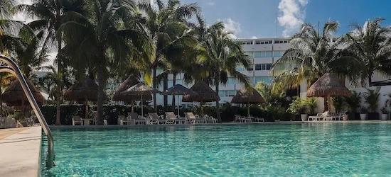 5* luxury Cancun getaway w/breakfast & flights