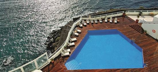 4* deluxe Tenerife break w/breakfast & flights