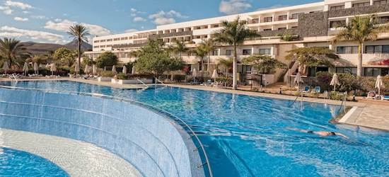 4* Lanzarote escape w/breakfast & flights