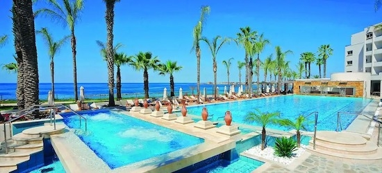4* Paphos getaway w/breakfast & flights