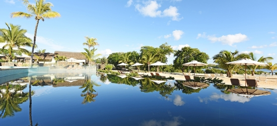 Mauritius: 5-star all-inc beach holiday w/kids stay free