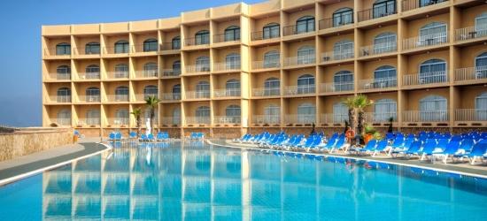 Malta: summer escape w/seaview room upgrade & harbour cruise