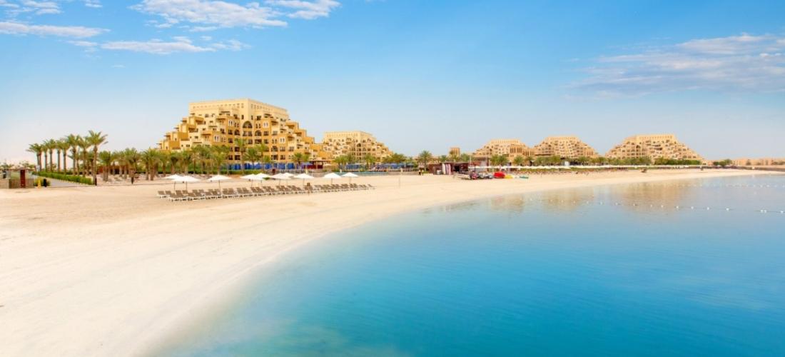Ras Al Khaimah: 5-star all-inc beach break w/kids stay free