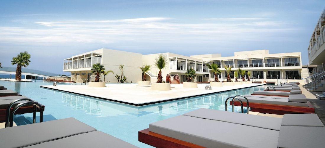 5* half-board luxury Crete getaway w/flights