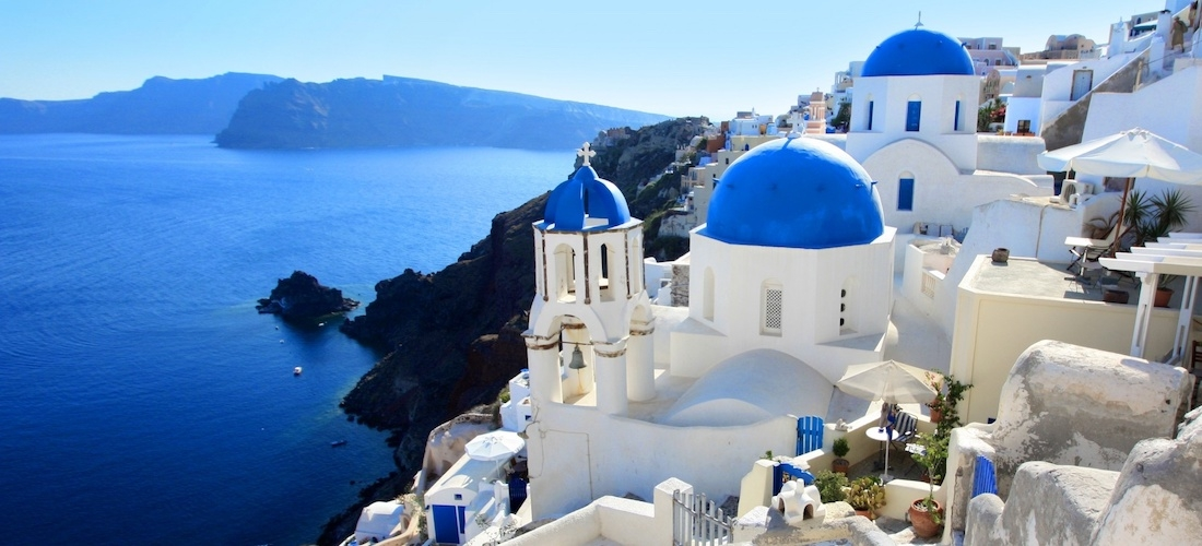 5* Santorini break w/breakfast & flights