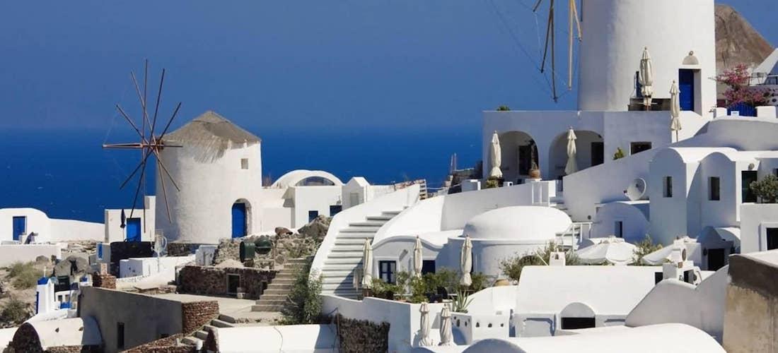 4* Mykonos escape w/breakfast & flights