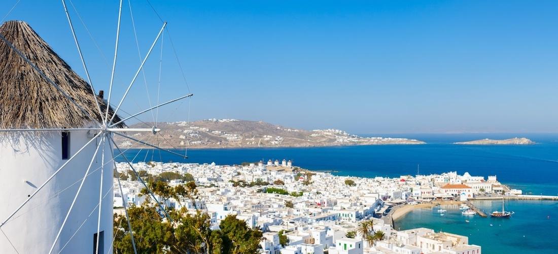 4* deluxe Mykonos escape w/breakfast & flights