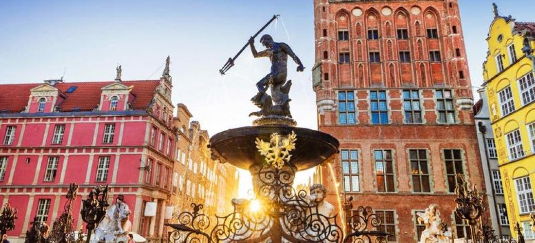 Gdansk City Escape & Return Flights - Close to City Centre!