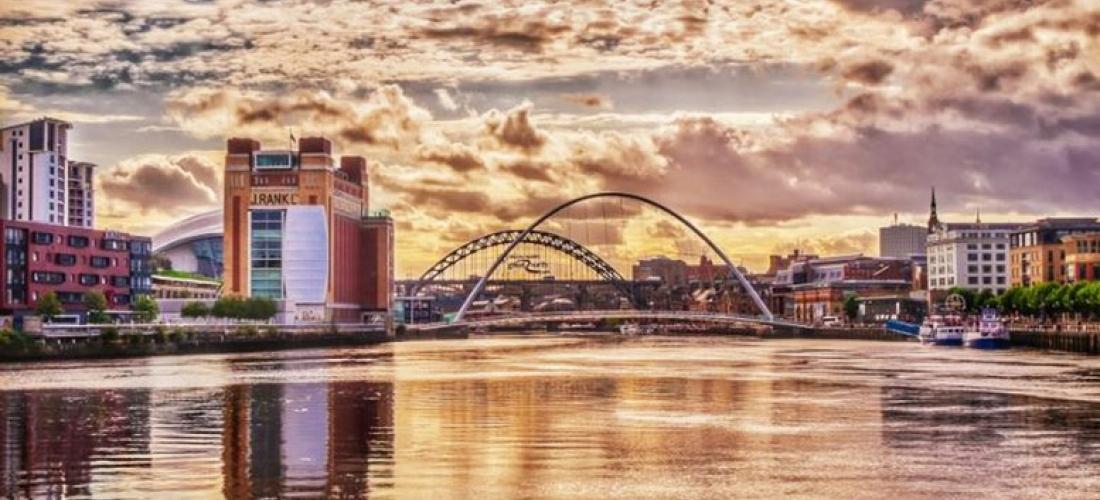 4* Newcastle Escape, Breakfast & Dinner - Central City Hotel!