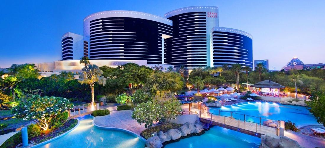Dubai: 5-star break w/family room & kids eat free, save 45%