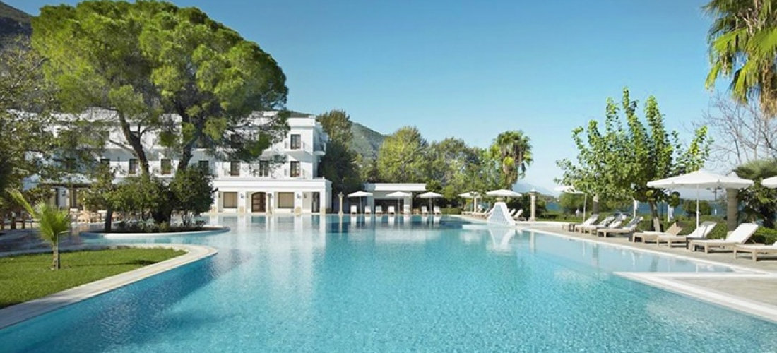 ✈ Greece, Kamena Vourla: 3 to 7 Nights at the 5* Mitsis Galini Wellness Spa & Resort with All Inclusive and Spa Access*