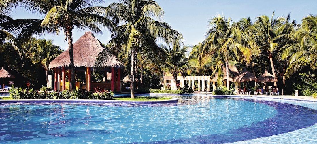 4* all-inclusive Riviera Maya escape w/flights