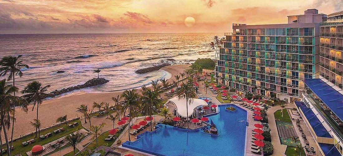 4* deluxe Sri Lanka getaway w/breakfast & flights