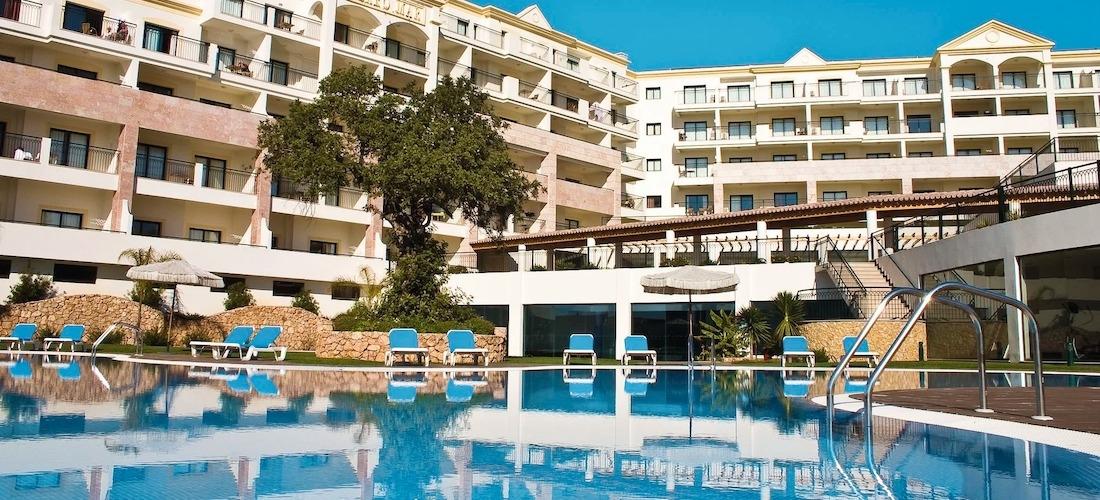 4* deluxe Algarve escape w/flights