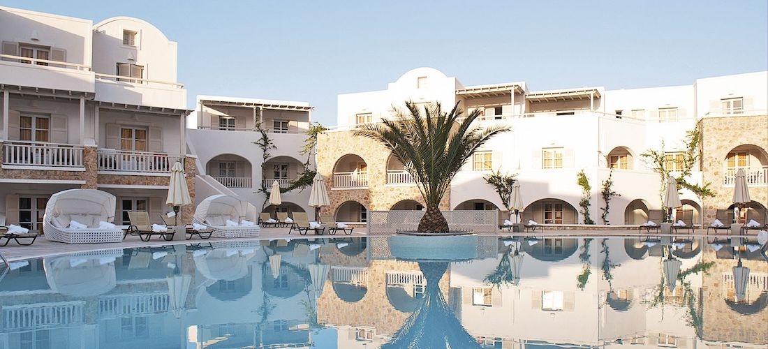 4* Santorini week w/breakfast & flights