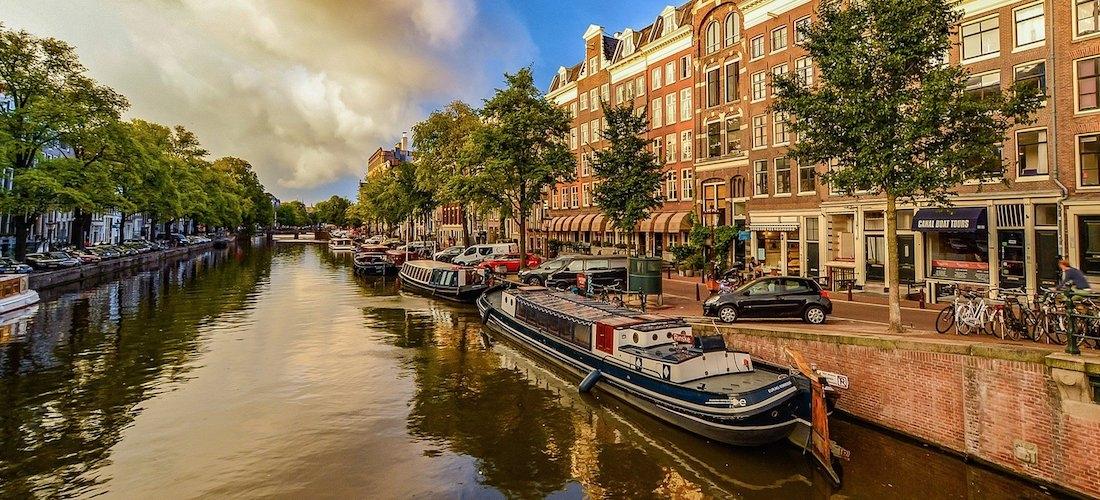 4* Amsterdam break w/flights