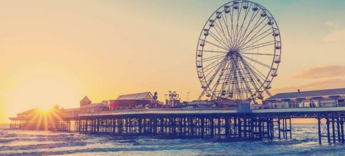2-3nt Coastal Blackpool Escape & Breakfast for 2 or 3 @ The Lanes