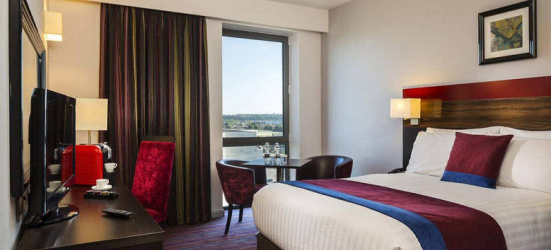 City Break for 2 with Prosecco, Late Check-Out, Cardiff - Dinner Option!