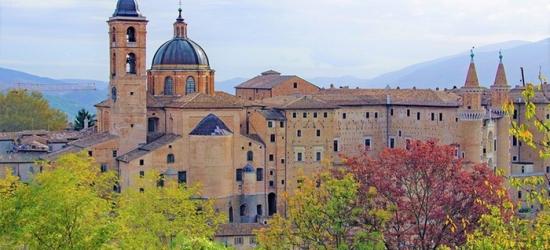 Pesaro e Urbino: camera per 2 o 4 persone con colazione o mezza pensione al Borgo Monte Maggiore